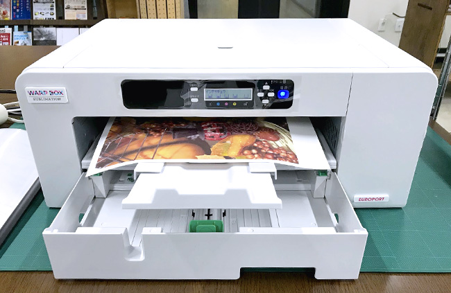 神戸のものづくりデジタルシェア工房「Maker's(メイカーズ)」の昇華転写プリントはA3までのサイズを専用用紙に印刷できるので、オリジナルTシャツ作りにもうってつけです。