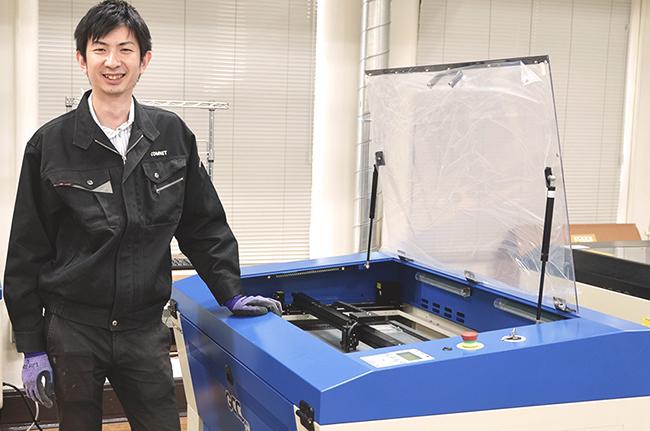 レーザー加工機(カッター)の販売台数の増加に合わせて、さらなるメンテナンスサポートの体制強化に努めてまいります。