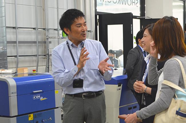 レーザー加工機・レーザーカッター・UVプリンターの実機デモンストレーション・サンプル展示
