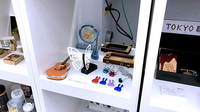 ローランド ディー.ジー.株式会社様のショールーム「東京クリエイティブセンター」では定期的にセミナーや相談会も実施しており、レーザー加工機・レーザーカッター、サンプルなども常設しています。
