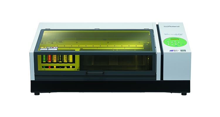 UVインクジェットプリンターはレーザー加工機(レーザーカッター)と組み合わせてオリジナルグッズをはじめ記念品やノベルティグッズ、工業パーツへの加飾などの製作の場でご活用いただいています。