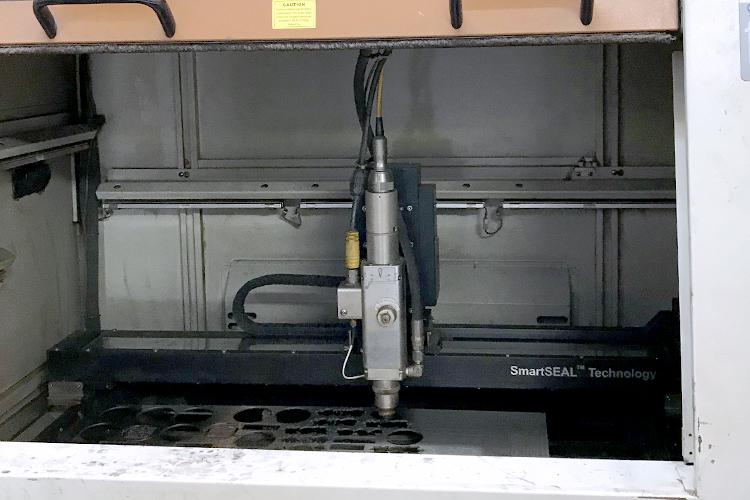 レーザーカッター GCCシリーズ FMC280のレーザーヘッド