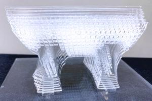 接着剤を使わずにアクリルを立体的に組み立てる加工方法・コツ