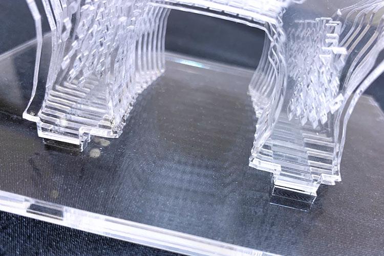 接着剤を使わずにアクリルを立体的に組み立てる加工方法・コツ:アクリルの接着部分