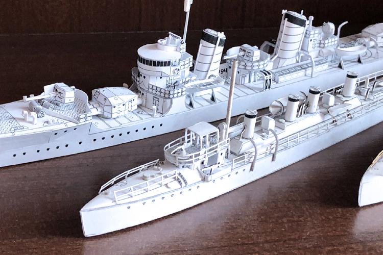 株式会社植松電機様がレーザー加工機SEIシリーズEASY(30W)を使用して制作したペーパークラフト:戦艦