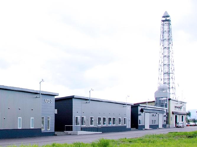 レーザー加工機の導入事例「お客様訪問記」。宇宙航空関連の分野でロケット開発にレーザーカッター・レーザー加工機を活用中の株式会社植松電機様。