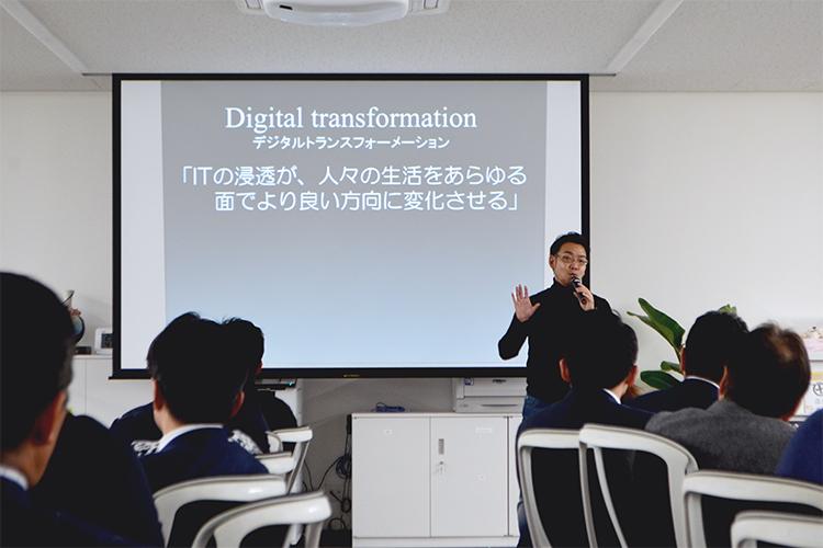 業務管理システム「SignJOBZ(サインジョブズ)」がサイン業界・看板業界でより活躍できるように進化するため、デジタルトランスフォーメーションという新たな開発手法をとることを発表しました。