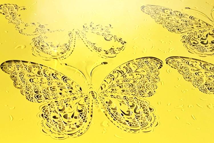 SEI社製ガルバノ式レーザー加工機(レーザーカッター)サンプル:蝶のペーパーデザインカット