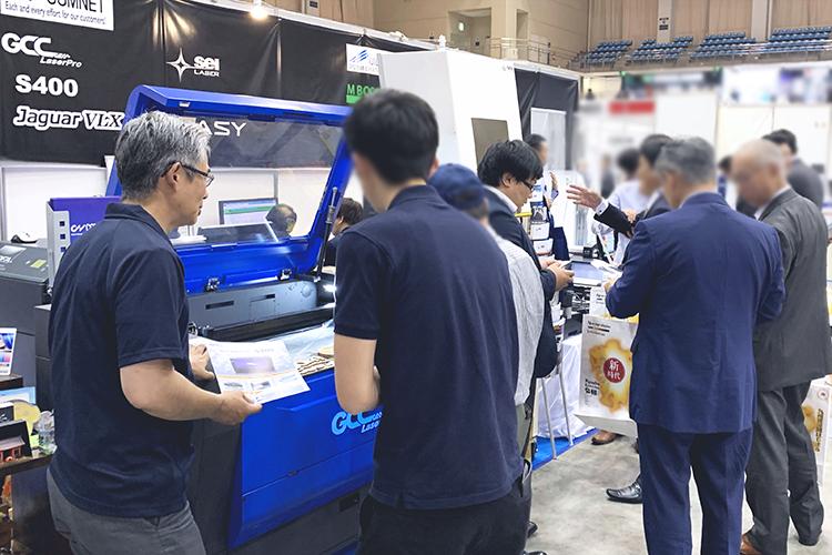 2019九州印刷情報産業展・九州サイン&デザインディスプレイショウ(福岡県)にコムネット出展ブース