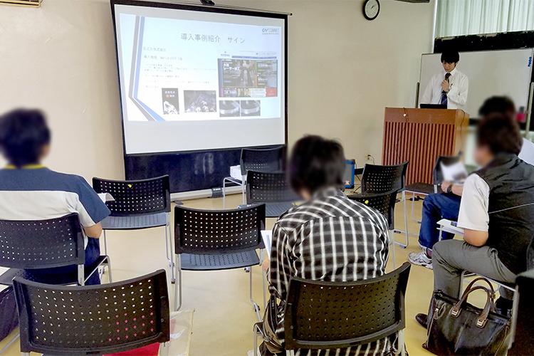 コムネットとローランド ディー.ジー.株式会社様とのコラボレーションイベント「レーザーカッター・UVプリンターの最新ソリューション」の静岡県 静岡市と浜松市で開催した各会場でも、レーザー加工機とUVプリンターを組み合わせたギフト・ノベルティ系のレーザービジネスのノウハウをご紹介するセミナーを開催しました。
