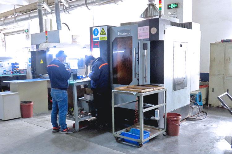 レーザーカッターの製造工程:レーザーパーツ製作