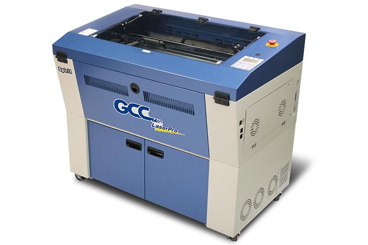 オプションをつけることで、より大きなバットなども加工できるレーザーカッター GCC社製 LaserProシリーズ SPIRIT