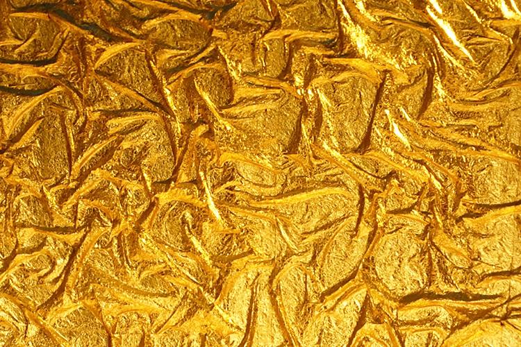 北陸産業のレーザー加工機活用事例:石川県 金沢金箔産業金箔をレーザーカットし、切り文字としてお椀に使用する