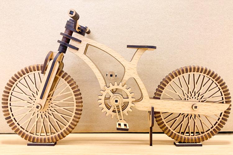 GCC社製レーザーカッター30Wを使って制作したMDF製3D組立模型の自転車が完成