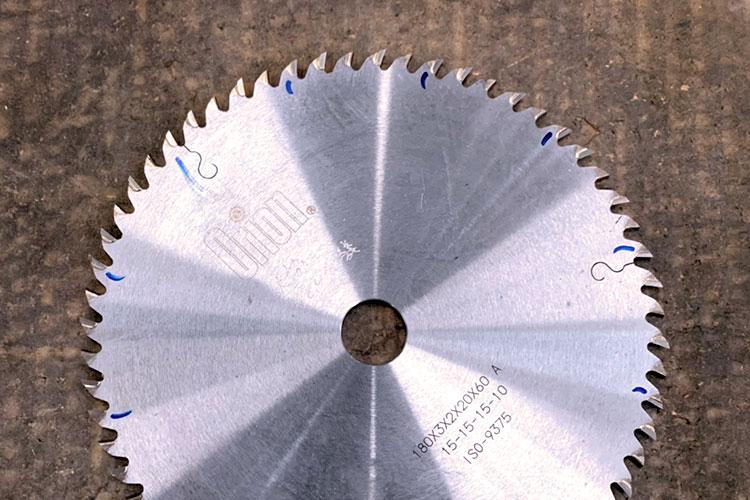 北海道エリア(札幌)ショールーム:株式会社アサヒ様は機械刃物の研磨も行っております。