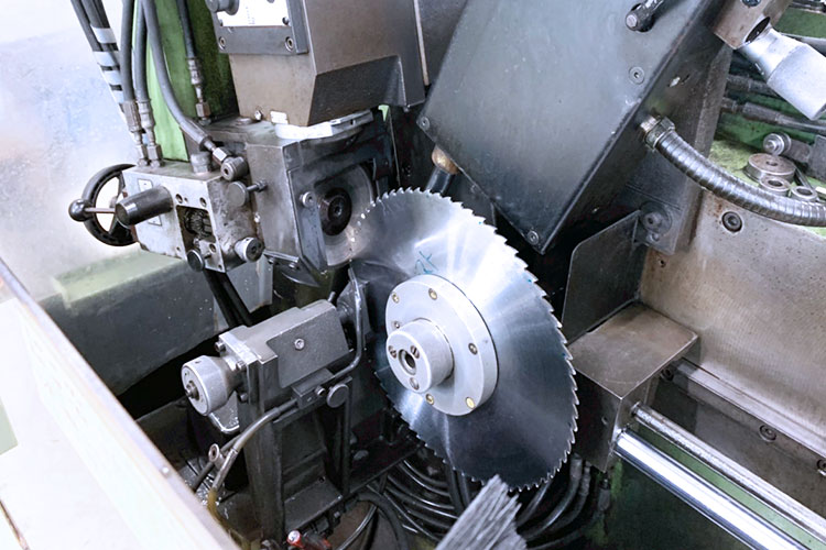 北海道エリア(札幌)ショールーム:株式会社アサヒ様の木工加工機械