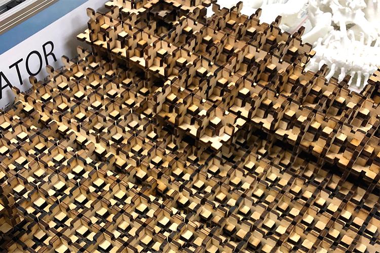 レーザー加工機の導入事例:慶應義塾大学 SFC研究所様:大学研究の試作モデル(MDFをレーザー加工して製作)