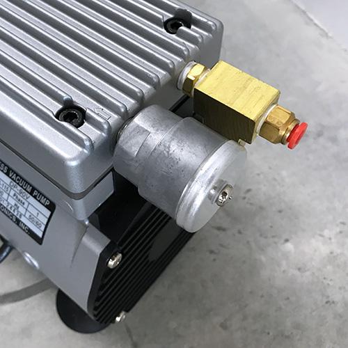 エアーコンプレッサーに装着したサイレンサー(消音器)