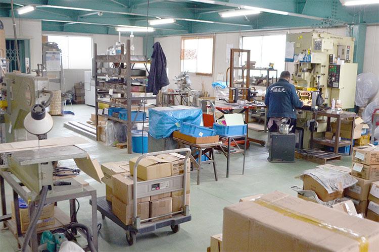 北野刃物製作所様の製造現場|レーザー加工機の導入事例
