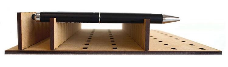 使用するメリット:材料を水平に置ける|コムネット特製「フジタ式治具」|レーザー加工道場|コムネット