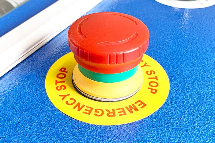 緊急停止ボタン|急に加工ができなくなった時の確認箇所(安全装置編)|レーザーメンテナンス講座