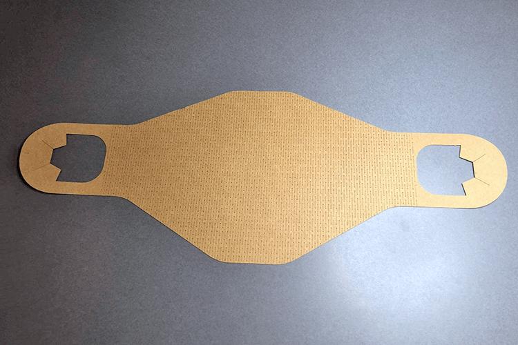 紙にレーザーカッターで細かく切れ目を入れることで、伸縮性を加えてマスクを製作。|W2 studio様のレーザー加工で製作された商品|レーザー加工機の導入事例