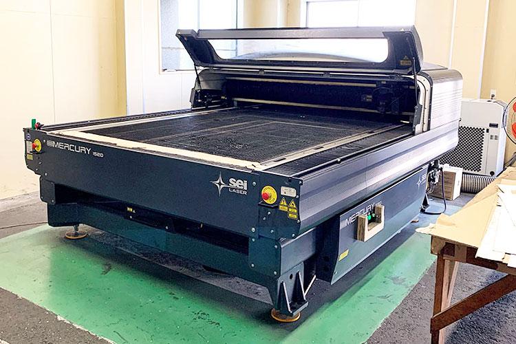 導入機種(1台目):レーザー加工機 SEIシリーズ MERCURY609|大国段ボール工業様|レーザー加工機の導入事例