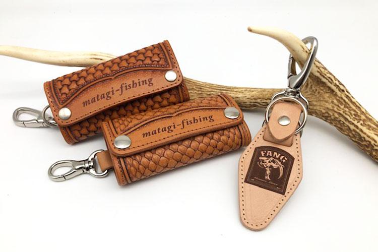 革製キーホルダーへのロゴのレーザー彫刻|Soul Leather 革魂様|レーザー加工機の導入事例