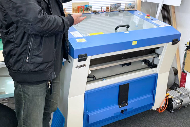 導入機種:レーザー加工機 GCCシリーズ SPIRIT|有限会社伊勢原ときわ堂様|レーザー加工機の導入事例