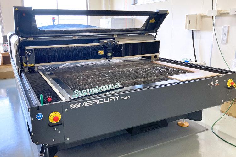 導入機種:レーザー加工機 SEIシリーズ MERCURY 株式会社セイコーアドバンス様 レーザー加工機の導入事例