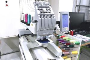 コンパクト工業用刺繍(刺しゅう)ミシン「タジマ 彩-SAI-」が、ものづくりシェア工房 Maker'sでレンタル利用できるようになりました!使ってみた感想もご紹介!